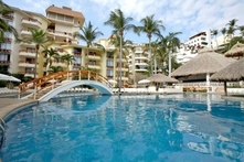 Acapulco: desde $2,899 por 2, 3, 4 o 7 noches para dos en plan all inclusive con Royal Holiday - Groupon