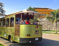 City Trolley Tour Para 2 o 4 personas en Colombia Trolley