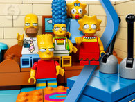 HAPPY HOUR: MUÑECO SIMPSONS SÍMIL LEGO. Homero, Bart, Lisa, Maggie, Marge o Flanders. - Descontate