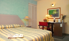 Santiago: desde $45.000 por 1, 2 o 3 noches para dos + desayunos + late check out + welcome drink en Eurotel Providencia - Groupon