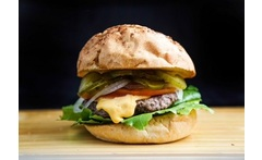 Juanchis Burger Paga Bs 5000 y Consume Bs 10000 - Aprovecha