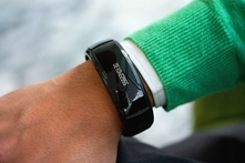 $899 en vez de $1,322 por brazalete Bluetooth en color a elegir con Phone2Watch. Incluye envío - Groupon
