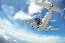 $453.500 por salto en paracaídas + video + fotos con Sky Dive Colombia - Groupon