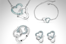 $299 en vez de $1,488 por set Heart to Heart hecho con SWAROVSKI ELEMENTS en color a elegir con envío - Groupon