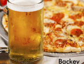 Noche de pizza y cerveza en Backey Bar Palermo Hollywood