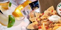 Taco Box con 51 OFF Trago Mexican Bulldog nachos grandes para dos a 75